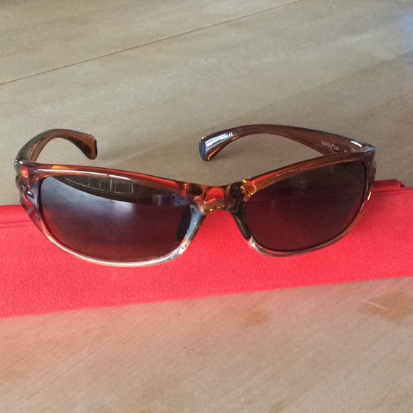 2f6de754fa4 M 5b0600c261ca100dba82356e. Other Accessories you may like. Suncloud Womens polarized  Nightcap sunglasses NWT